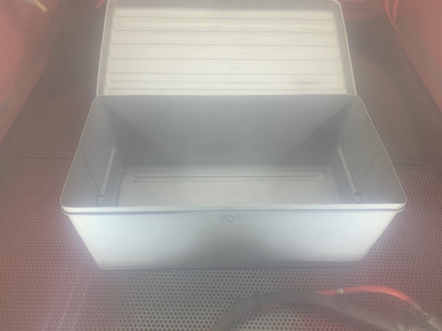 sand blast cabinet with upgraded led lighting